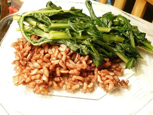 πικραλίδα με ακατέργαστο ρύζι